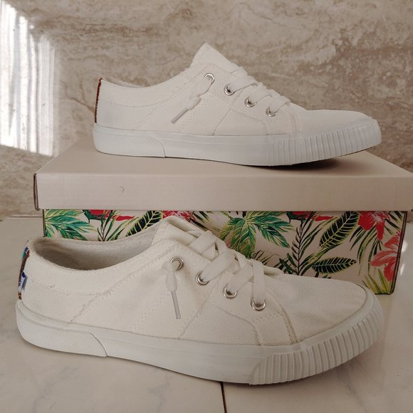 Tommy Bahama Canvas Shoes Sneakers